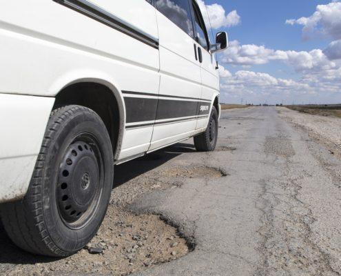 pothole-1703340_1280